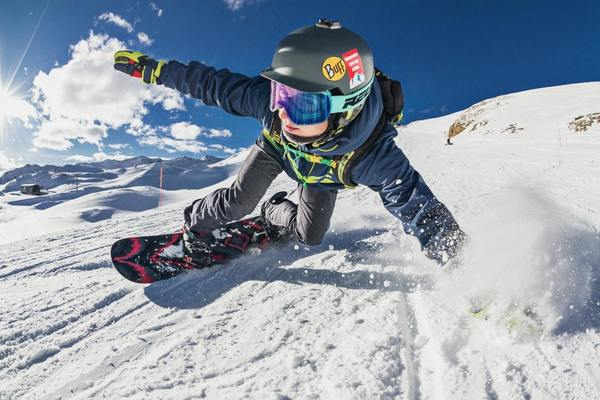 SKIING AND SNOWBOARDING: PREVENTING INJURIES by action sport physio