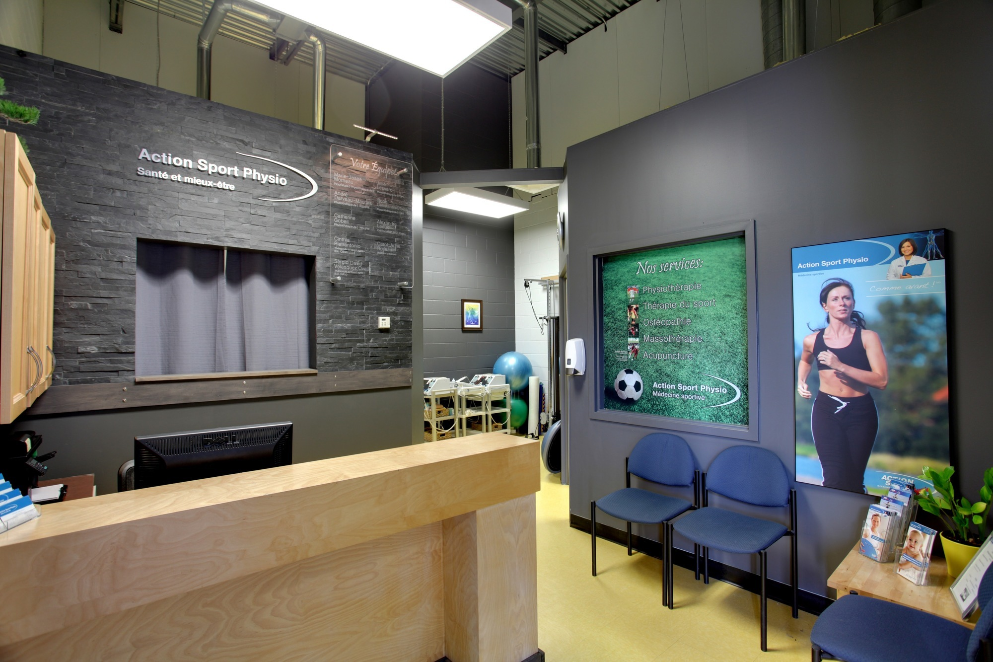 Picture of the Longueuil Action Sports Physiotherapy Clinic. You can book online or call us at 450 468-4664. We offer physiotherapy, kinesiology, osteopathy and many more professional services.