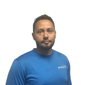 Picture of Adam Karim Physiotherapist at the West Island clinic.