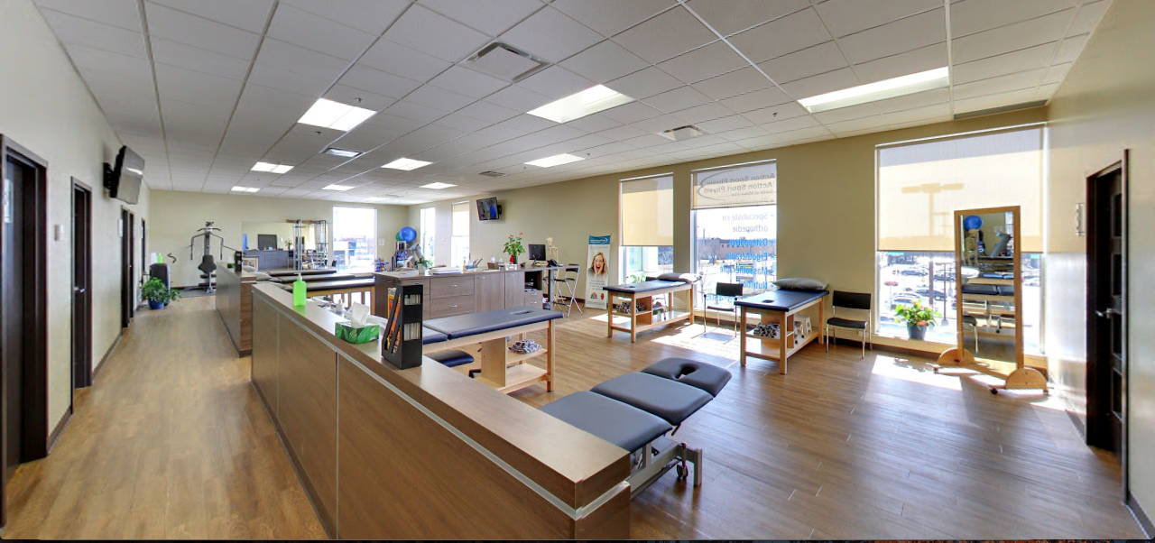 Picture of the Rivière-des-Prairies Action Sports Physiotherapy Clinic. You can book online or call us at (514) 375-4505. We offer physiotherapy, kinesiology, osteopathy and many more professional services.