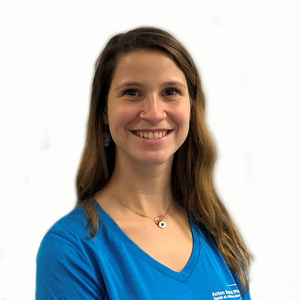 Picture of Yasmine Solomon-Markus Massage Therapist at the Montreal West clinic.