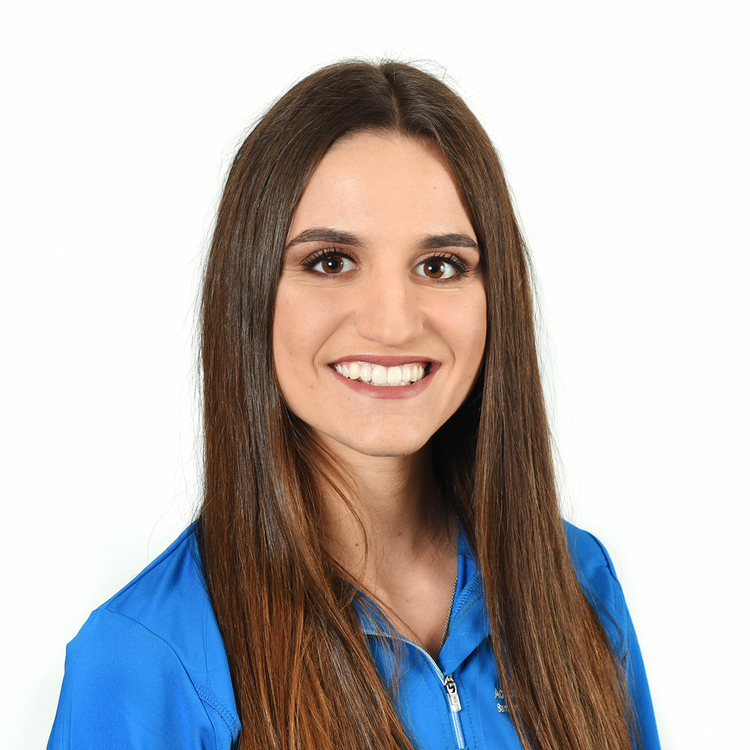 Picture of Alisa Tamburrino Athletic Therapist at the Action Sports Physio Laval clinic