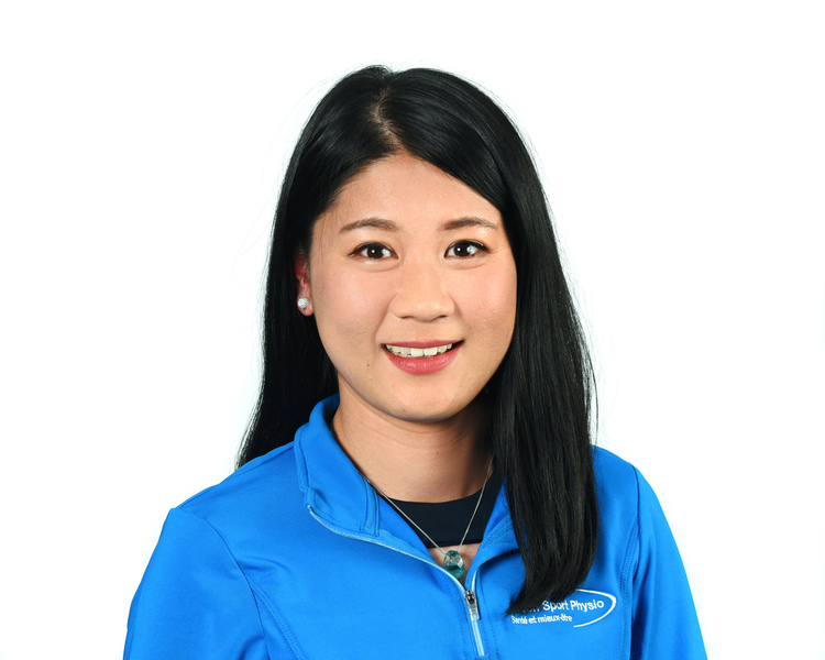 Picture of Stéphanie Liu Massage Therapist at the Action Sports Physio Saint-Laurent clinic
