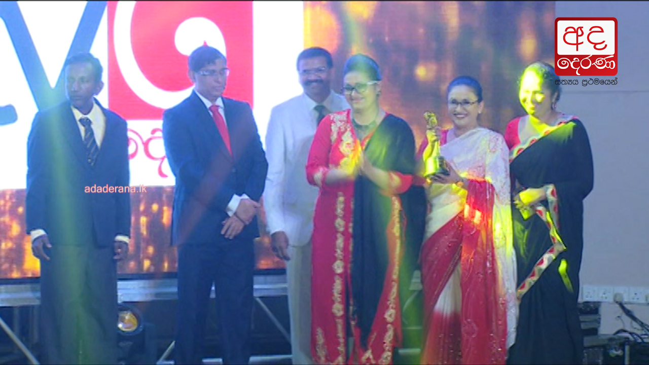 Ada Derana felicitated at DS Students&#39 Brand Awards 2017