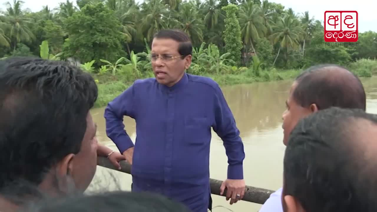 President visits public affected by floods in Chilaw