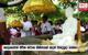 Pilgrims on Dambadiva Vandhana worship Ananda Bo Tree