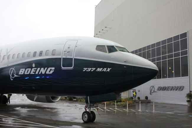 බෝයිං සමාගම සියලු 737 මැක්ස් ගුවන් යානා භාවිතය තහනම් කරයි