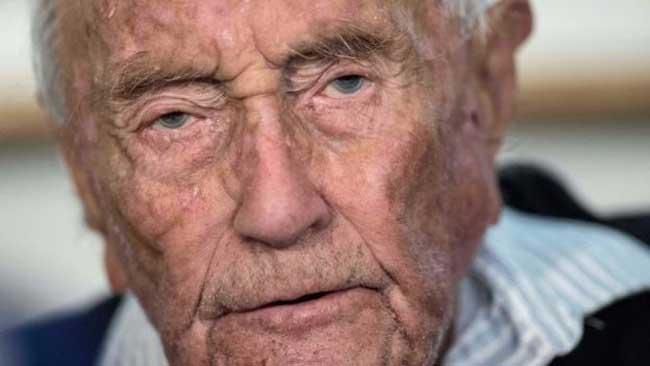 தனது வாழ்க்கையை முடித்தக் கொண்ட 104 வயது விஞ்ஞானி