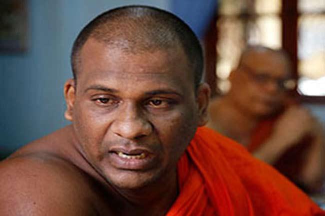 ஞானசார தேரருக்கு கடுமையான உழைப்புடன் ஒரு வருட சிறை