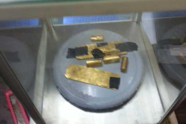 1.8 மில்லியன் ரூபா பெறுமதியான தங்கம் விமான நிலையத்தில் பறிமுதல்