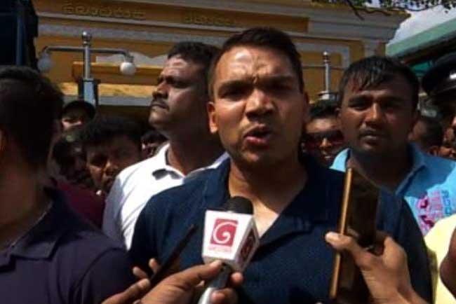 நாமல் ராஜபக்ஷ பொதுஜன பெரமுனவில் இணைவதாக அறிவிப்பு