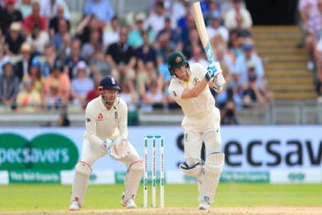ஆஷஸ் டெஸ்ட் - இங்கிலாந்து அணி முதல் இன்னிங்சில் 374 ஓட்டங்கள் குவிப்பு