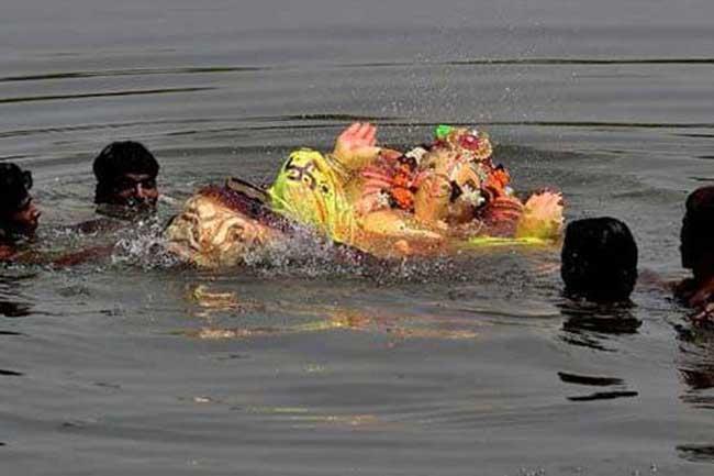 விநாயகர் சிலை கரைக்கும் போது ஆற்றில் அடித்து செல்லப்பட்டு 6 பேர் பலி