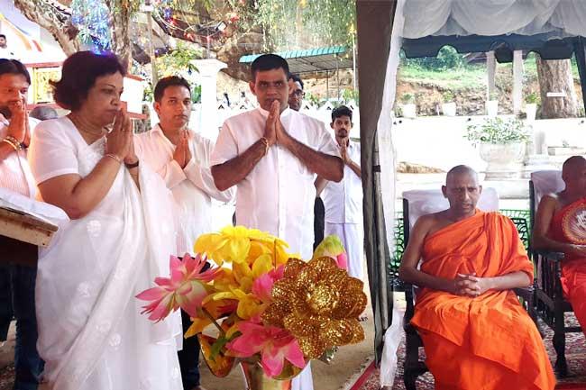 தொடர்ச்சியான 7ஆவது வருடமாக ரிதிகம, ரிதி விஹாரைக்கு ஒளியூட்டியிருந்த சுவதேஷி கொஹோம்ப