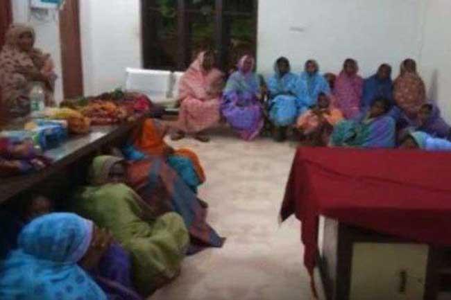6 முதியவர்களின் பற்களை பிடுங்கிய கொடூரம் - 22 பெண்கள் கைது