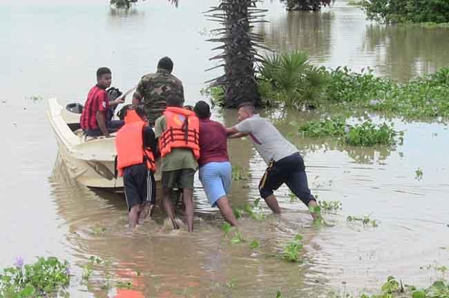 சீரற்ற வானிலை - மட்டக்களப்பு மாவட்டத்தில் 4612 பேர் பாதிப்பு