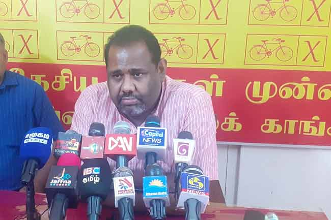 தமிழ் அரசியல் தலைவர்கள் பொய்யைச் சொல்லி மக்களை ஏமாற்றுகின்றனர்
