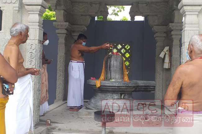 புதிய ஆளுநர்  திருக்கேதீஸ்வரத்தில்..