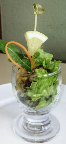 салат в рюмке