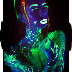 fluorescentnaja_kraska_bodyart