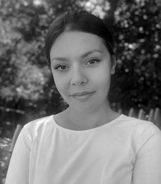 Meet Jenny Sinaj, piano instructor at South Island Studio