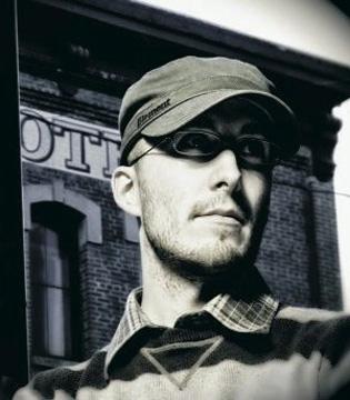 Meet Ian McElroy, bass guitar instructor at South Island Studio