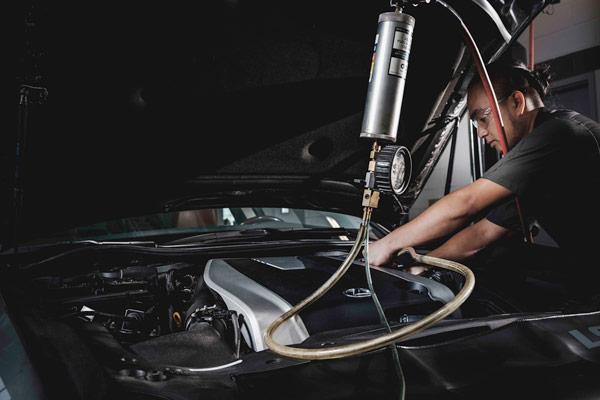Lexus Services - Oil 7