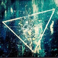 Infinity Triangle - 48x36
