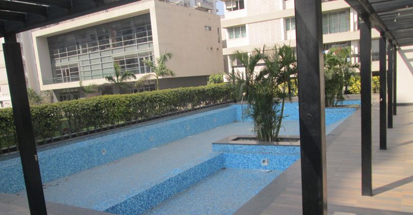 Swmging pool