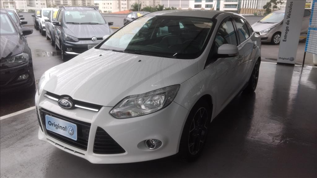 FORD FOCUS 2014 - 2.0 TITANIUM PLUS SEDAN 16V FLEX 4P POWERSHIFT