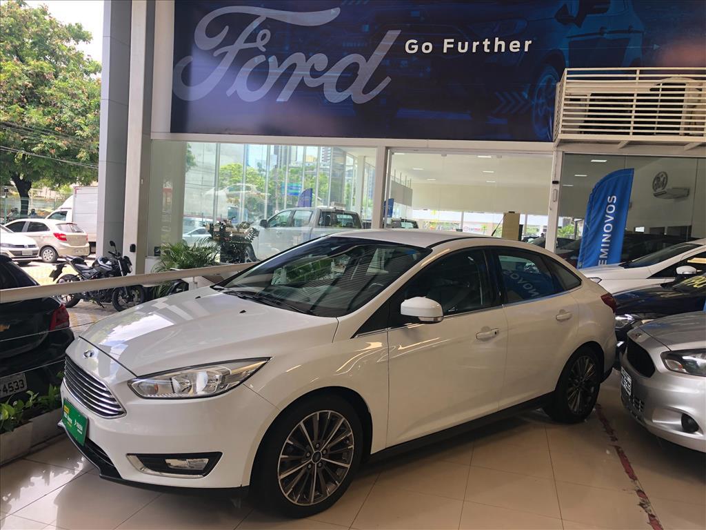 ford-focus-20-titanium-sedan-16v-flex-4p-powershift