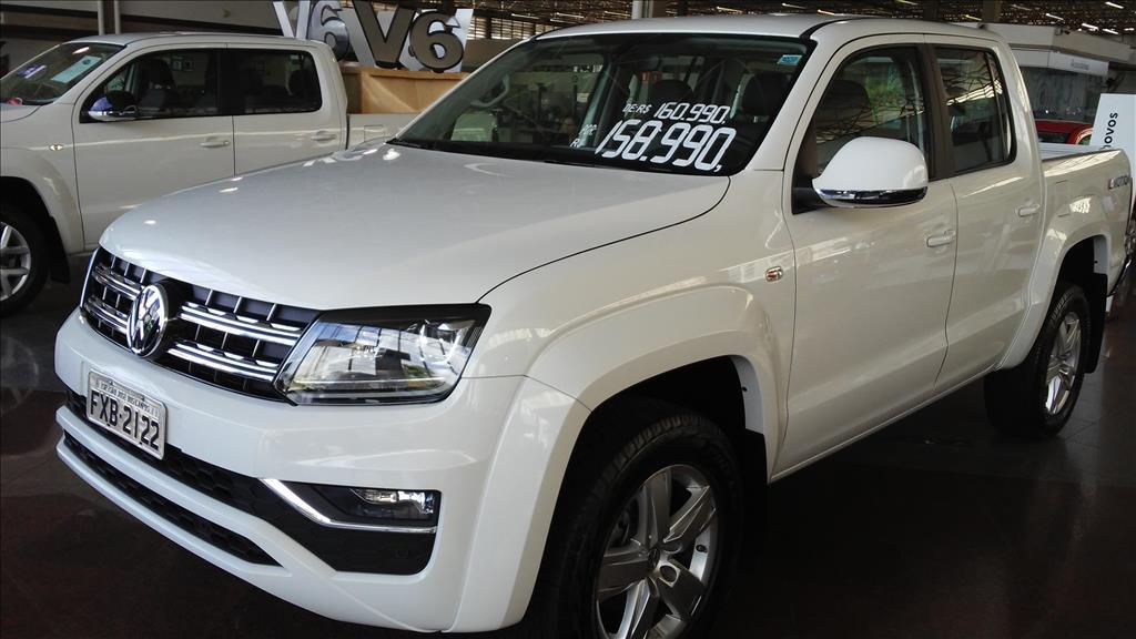 VOLKSWAGEN AMAROK 2017 - 2.0 HIGHLINE 4X4 CD 16V TURBO INTERCOOLER DIESEL 4P AUTOMÁTICO