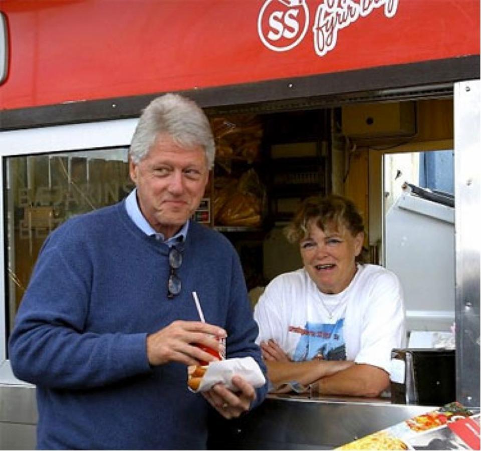 Icelandic-hotdogs-BillClinton