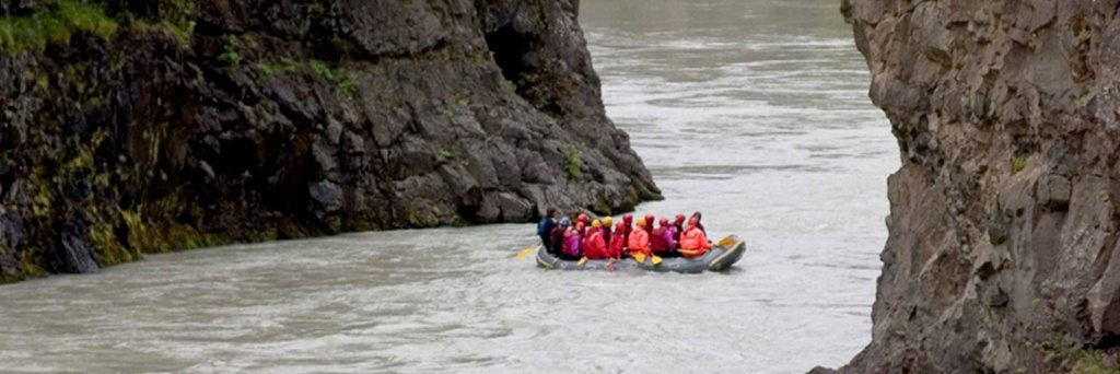 A group on the rafting tour in Iceland