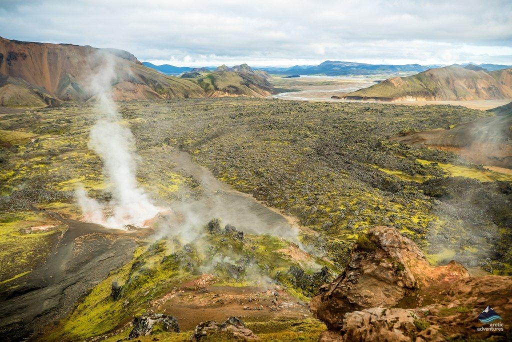 Landmannalaugar-laugavegur-trek-hiking-Iceland-