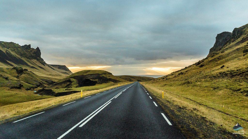 Road-South-Coast-Iceland3