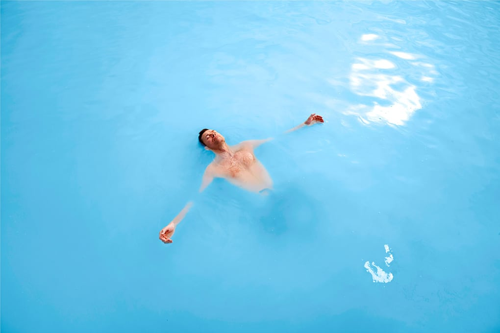 Blue-Lagoon-Iceland-floating