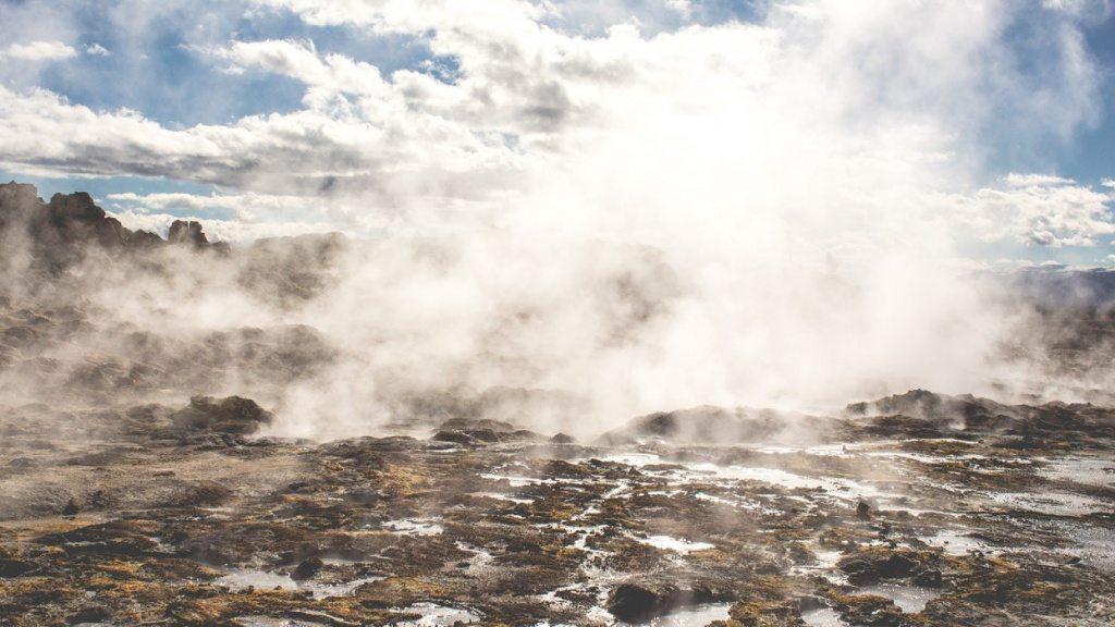 Hverarond-Sulphur-Springs-Iceland