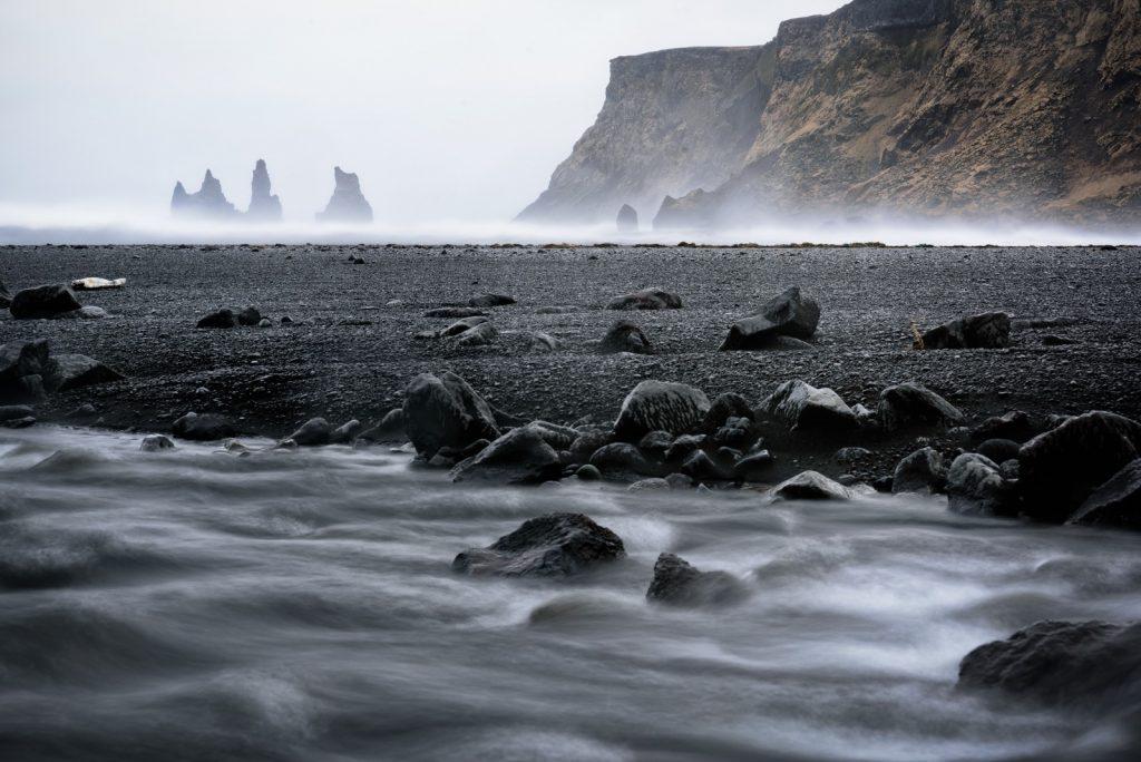 reynisfjara-iceland-Fernandi-Garcia