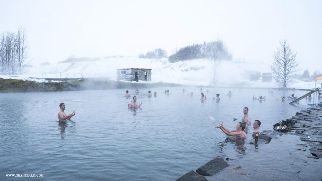 secretlagoon-winter-iceland