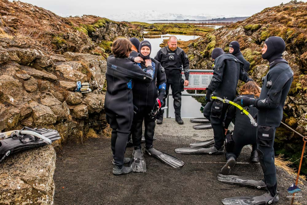 Cold water diving in Iceland