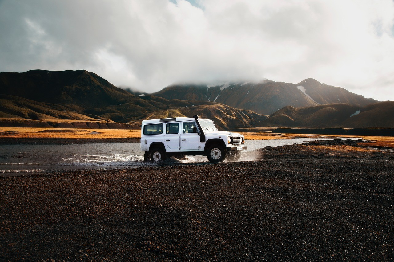 Landmannalaugar Super Jeep Tour