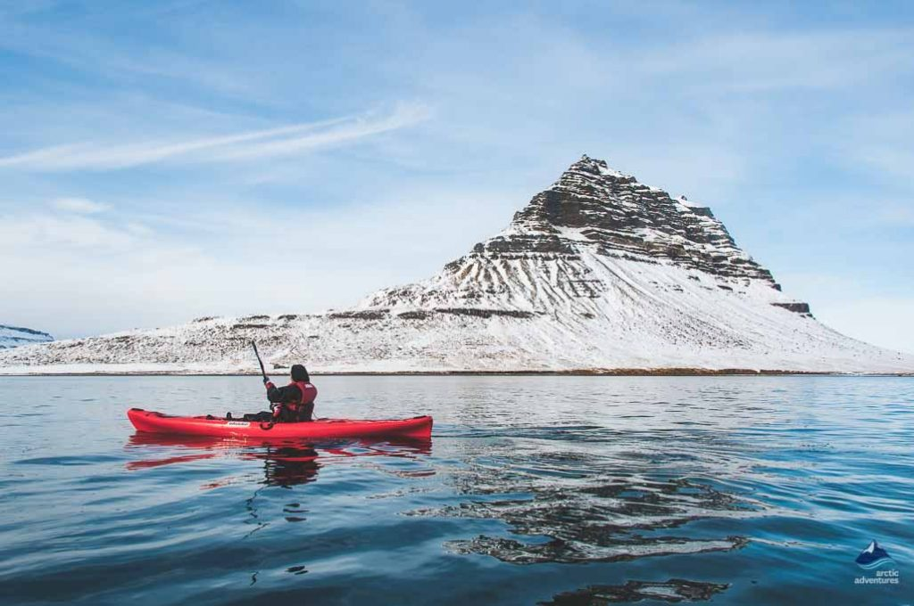 kayaking next to kirkjufell