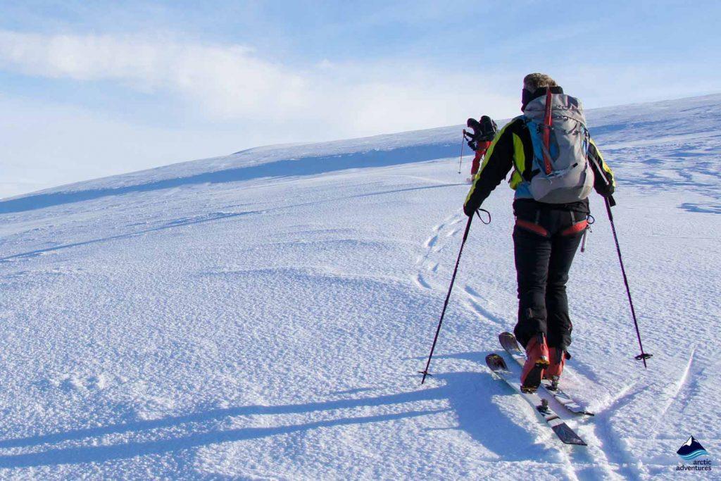 Man skiing in Vatnajokull