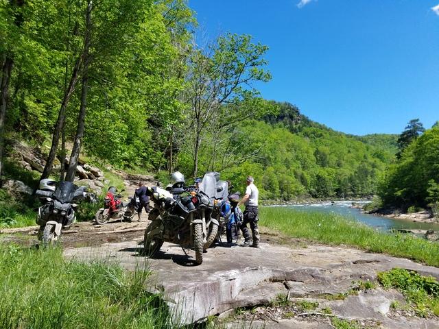 Africa Twin vs Super Tenere | Adventure Rider