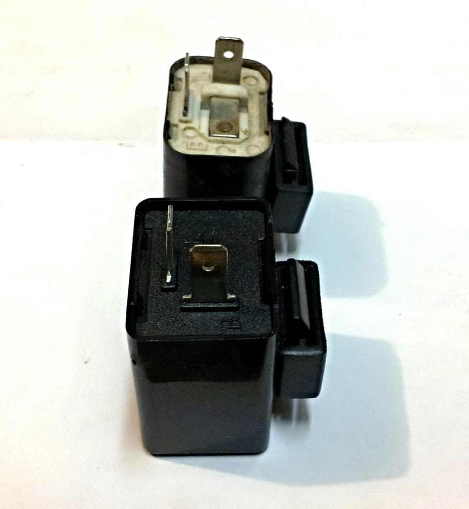 2 Pin LED Flasher Relay With Audible Beeping Buzzer Ideal For Motorcycle