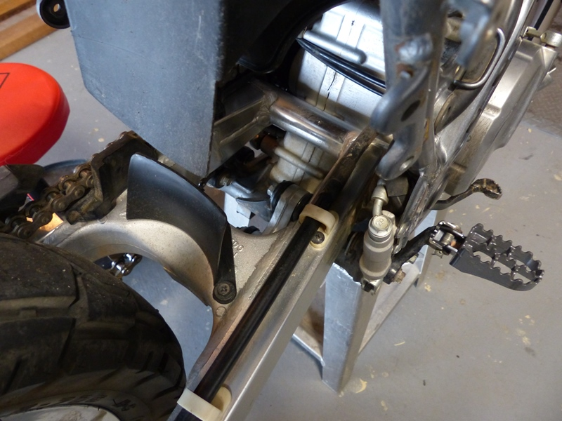 DR650 - Cogent Shock Shaft Install | Adventure Rider
