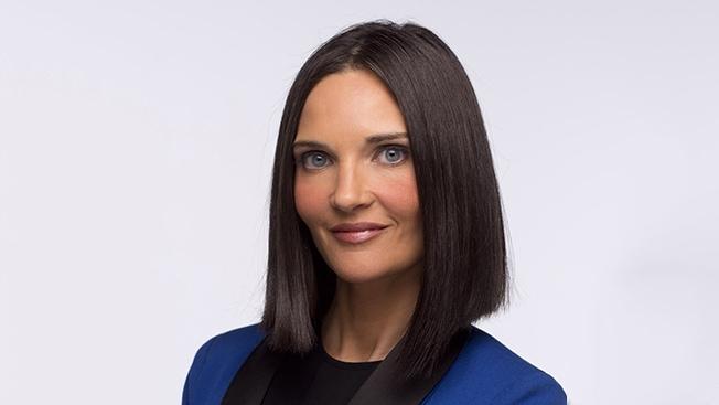 Headshot of Lauren Crampsie