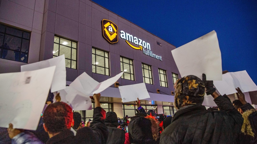 Amazon workers protesting in front of Amazon Fulfillment in Shakopee, Minnesota