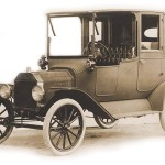 1915 Model T Town Car (Ford Archive)